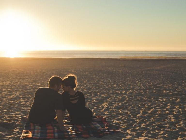 beach-california-couple-58572