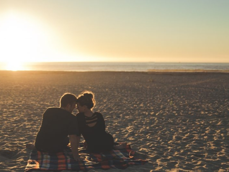 beach-california-couple-58572